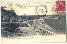 Estação no início da Serra do Mar, da ferrovia São Paulo Railway, construída pelos ingleses. O primeiro plano inclinado foi inaugurado em 1864, possibilita