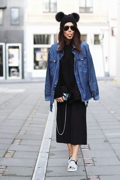Double PomPom hat from HEADLESS, Denim from OneTeaspoon, SlipOns from SOLSANA / Somegoodspirits / Lou Beyer / Streetstyle #outfit