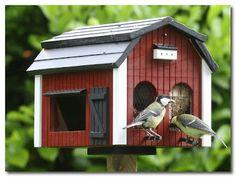 big barn birdhouse  birdfeeder