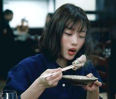 Uzzlang Girl, Girl Face, Girl Photo Poses, Girl Photos, Human Poses, Japanese Aesthetic, Cute Icons, Aesthetic Girl, Japanese Girl