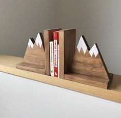 Mountain Peak Book ends Woodland Nursery Decor Stained Wooden Bookends Bookends for kids Mountain Book Ends Hike Decor Kinderzimmer Kids Woodworking Projects, Diy Wood Projects, Wood Crafts, Woodworking Plans, Woodworking Videos, Woodworking Furniture, Woodworking Jointer, Woodworking Basics, Woodworking Workshop