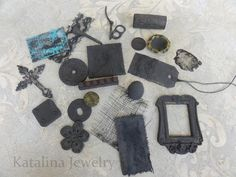 plastic, paper, thread, fabric, items from nature--after a coat of reactive metal paint step) Katalina Jewelry: An Experiment in Rust Craft Projects, Projects To Try, Aging Metal, Painting Techniques, Rust, Im Not Perfect, Crafty, My Love, Paper