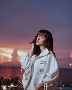 Liza Soberano Wallpaper, My Ex And Whys, Enrique Gil, Filipina Beauty, Just The Way, Girl Crushes, American Actress, Fashion Models, Women's Fashion