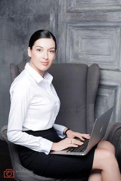 деловая женщина в интерьере: 9 тыс изображений найдено в Яндекс.Картинках
