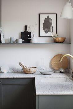10 Beautiful Open Kitchen Shelving Ideas - Tanzania Home Ideas Home Decor Kitchen, Kitchen Interior, Home Kitchens, Kitchen Ideas, Kitchen Designs, Terrazzo, Classic Kitchen, Cocinas Kitchen, Scandinavian Kitchen