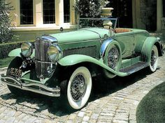Duesenberg...Yes please. Among the greatest cars ever built in the entire world. Packard made the engines and undercarriage, Duesenburg made the bodies and interiors. Absolute perfection, these are mobile works of art, insured for millions.