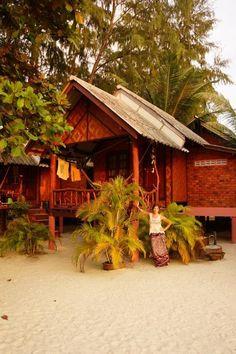 Koh Phangan, Thailand (about per night) Hut Images, Koh Phangan, One Day Trip, Great Memories, Island Life, Phuket, Simple Living, Where To Go, Southeast Asia
