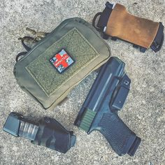 Some new medical gear from @whtactical ! This pouch and the @lunarconcepts Swift TQ Carrier will be going on a dedicated .308 chest rig. #WiseMen #whtactical #lunarconcepts #pinetreeriot #2a #edc #edcgear #everydaycarry #gunlife #pocketdump #igmilitia #pewpew #gear  #wiseguy #ar15 #glock19 #pockettools #guns #dtom #survival #medical #gunsofig #gunaddict #igshooters #gunvids