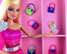 Easy DIY sparkly Barbie Doll purses made with sticky back sparkling foam from dollar store DIY Barbie Doll Easy NoSew Hand Made Purses Diy Doll Projects, Diy Barbie Furniture, Barbie Makeup, Barbie Doll Accessories, Barbie Clothes, Barbie Stuff, Diy Clothes, Doll Stuff, Vintage Barbie Dolls