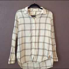 H&M Plaid Shirt Beautiful cream button down. Slight high low hem. US 6 fits like a small/medium. Lightweight, perfect for summer layering! H&M Tops
