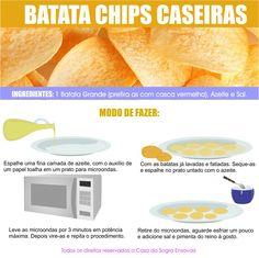 Aprenda fazer essa delícia de batatas chips para petiscar em casa.  Veja mais em nosso blog: http://dicasdacasa.com/receita-batata-chips/