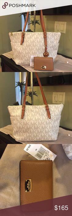 Michael Kors Signature Set Gorgeous like new MK bag with brand new wallet. Beautiful set. Michael Kors Bags Shoulder Bags