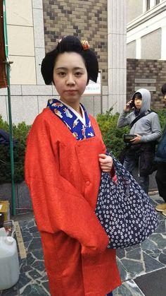 """cerva on Twitter: """"おん祭の人混みの中に奈良の舞妓さんを発見!! 名前は菊亀さん。 亀ちゃんと呼ばれているそうです。 普段のお顔も可愛いのに、舞妓さんのお化粧したらもっと可愛いくなるんやろなー。 数少ない奈良の舞妓さん。 陰ながら応援してます(^ー^) https://t.co/s5ixgpSXYx"""""""