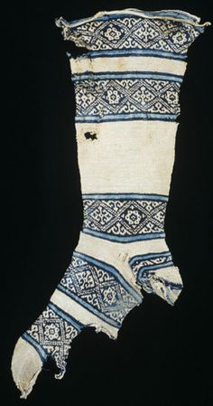 Sock Possibly found in Fustat, Egypt Islamic century. Cotton, knitting Dimensions 52 cm x 20 cm The Textile Museum Acquired by George Hewitt Myers in 1953 Medieval Clothing, Historical Clothing, Historical Dress, Medieval Embroidery, Textile Museum, Evolution Of Fashion, Textiles, 12th Century, Cotton Socks