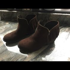 Quipid Shoes - Brown Fringe Ankle Boots NWOT Size 8 1/2