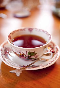Thanksgiving Tea...how perfect, sitting and making our Thanksgiving dinner plans.  My favorite!!
