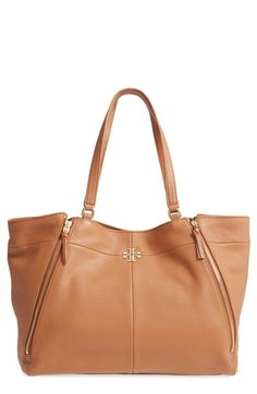 06fa3c648359 TORY BURCH IVY LEATHER TOTE - BROWN.  toryburch  bags  leather  hand bags   tote