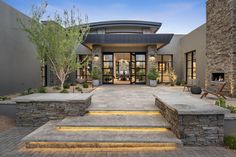 Modern Arizona Estate - Haute Residence: Featuring the best in Luxury Real Estate and Interior Design Luxury Homes Interior, Luxury Home Decor, Interior Design, Modern Contemporary Homes, Modern Design, Spanish Modern, Exterior House Colors, Exterior Homes, House Elevation