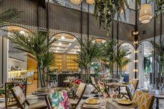 Like Bar Motif + Grating in front of it 35 Restaurantes de Moda Madrid. Bar Interior Design, Cafe Interior, Cafe Design, Interior Exterior, Store Design, Design Bar Restaurant, Restaurant Concept, Cafe Restaurant, Cafe Bar