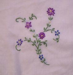 Hand Embroidery Stitches | One of my favorite embroidery stitches has always been the lazy daisy ...