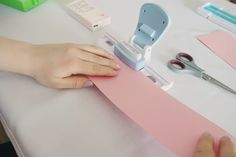 Schritt für Schritt Anleitung für DIY-Freudentränen-Taschentücher Bild 2