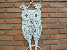 Hey, I found this really awesome Etsy listing at https://www.etsy.com/es/listing/86528538/macrame-owl-mother-and-her-baby