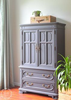 Vintage Decor Diy Painted Vintage Thomasville Chest in Fusion Ash. Gorgeous makeover of a heavy, dated vintage piece! Repainting Furniture, Refurbished Furniture, Paint Furniture, Rustic Furniture, Vintage Furniture, Cool Furniture, Furniture Stores, Furniture Removal, Glass Furniture