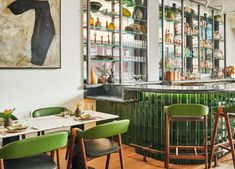 Like in the hotel's eclectic lobbies, vintage treasures made from coloured glass and ceramics line the restaurant's bar shelves. Lake Flato, Austin Hotels, Bar Shelves, Soft Seating, Hotel Lobby, House In The Woods, Small Living, White Walls, Home Projects