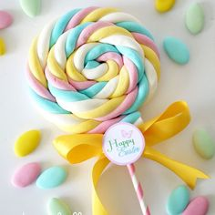DIY Marshmallow Lollipops & Free Easter Tags - learn to make marshmallow sweet treats for your party, celebrations or gift and favors! Birthday Treats, Party Treats, Party Favors, Birthday Parties, Birthday Gifts, Cake Party, 9th Birthday, Party Party, Birthday Cake