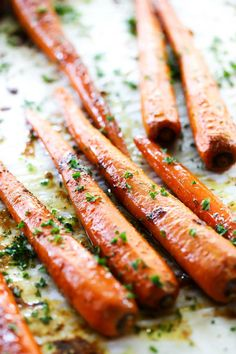 These Roasted Brown Sugar Carrots are spectacular! If you are on the hunt for an easy and tasty vegetable side dish, this one is a winner! A sweet and garlic flavor combine for one mouthwatering recipe!