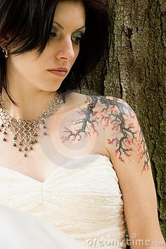 Tattoos and wedding gowns on pinterest tattooed brides for Tattoos and wedding dresses