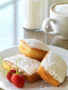 beignets... I really want one!!