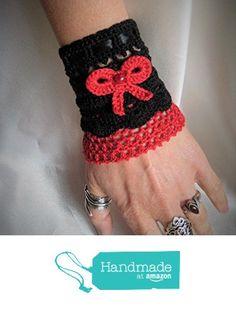 Bracelet manchette au crochet dentelle style victorien gothique coton noir rouge perles gothic cuff victorian ruban cadeau de Noël à partir des LilithCreation-Boutique https://www.amazon.fr/dp/B01M4OPH6I/ref=hnd_sw_r_pi_dp_C35eyb1WJYQ8Q #handmadeatamazon