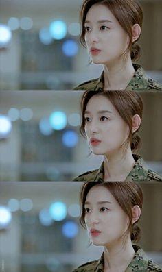 Korean Actresses, Korean Actors, Decendants Of The Sun, Korean Short Hair, Best Kdrama, Kim Ji Won, Drama Korea, Hairstyles For School, Female Portrait