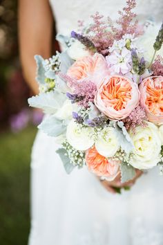 Peach garden rose #bouquet Photography: Ryon Lockhart Photography - ryonlockhart.com  Read More: http://www.stylemepretty.com/california-weddings/2014/05/03/la-venta-inn-summer-wedding/