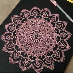 Zentagle_art La creatividad es algo que viene de la mente pero no solo de la mente sino del corazón  Cuenta personal: @marcela081984
