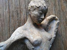 Figura alata scultura assemblaggio terra cotta e legno di VBBottegaArtigiana su Etsy