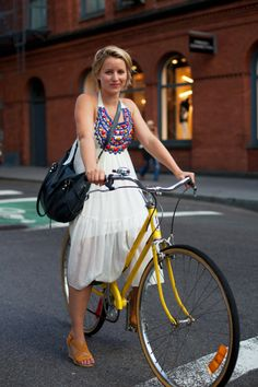 Love this dress, love this bike! #schwinn