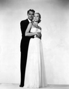 Grace Kelly et Cary Grant http://www.vogue.fr/mariage/inspirations/diaporama/icones-en-blanc/18578/image/997294#!grace-kelly-et-cary-grant-sur-le-plateau-du-film-to-catch-a-thief-d-039-alfred-hitchcock-en-1955