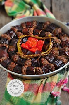 Baked Eggplant Kebab - Hayat Cafe Easy Recipes - eggplant kebab in the oven - Turkish Kebab, Meat Recipes, Cooking Recipes, Baked Eggplant, Iftar, Turkish Recipes, Easy Meals, Food And Drink, Stuffed Peppers