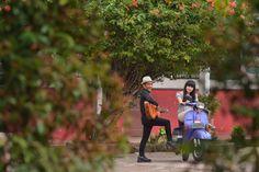 rinal n sonya #vespa #guitar
