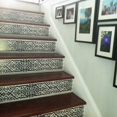 [original comment: black and white decoration pattern on wooden stair risers] Painting Wooden Stairs, Painted Stairs, Entryway Stairs, Tile Stairs, Foyer Decorating, Interior Decorating, Decorating Ideas, Stenciled Stairs, Wrought Iron Stairs