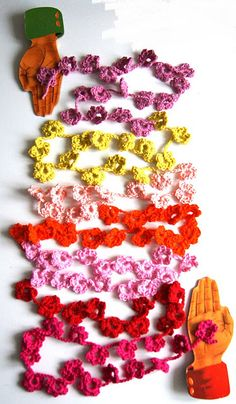 crochet flower garland - would work for necklace too