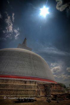 Ruvanvelisaya dagoba, Anuradhapura, Sri Lanka