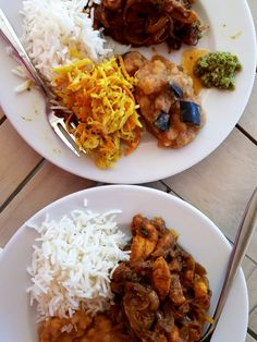 Learn to make Otentik (Authentic) Mauritian Chicken Curry, a recipe I learned in a cooking class while traveling in Mauritius. New Recipes, Dinner Recipes, Favorite Recipes, Masala Recipe, Food Out, Fish And Chips, Cooking Classes, I Foods, Curry