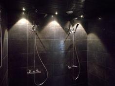 Uusi ihana tunnelmallinen suihkutila. #tummasuihku #suihkutila #suihku #tummakylppäri #kylpyhuone #kylppäri