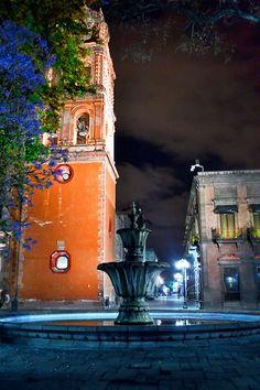 Fuente en el centro histórico de  San Luis Potisi, Mexico