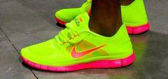 Top Shoes, Me Too Shoes, Pink Nikes, Neon Nikes, Nike Neon, Nike Air, Workout Wear, Workout Style, Nike Free Run 3