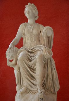 The Muse Thalia bearing a portrait of Queen Cristina, muse of comedy, unearthed in about 1500 in Hadrian's Villa, Tivoli © Carole Raddato