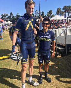 "Cadel Road Race su Instagram: ""Tallest and shortest of the #CadelRoadRace peloton today? @conordunne1 @aqua.blue.sport and @estebanchavesbta @oricascott"